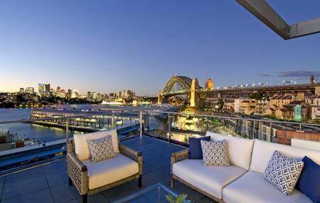 luxury apartment overlooking Luna Park